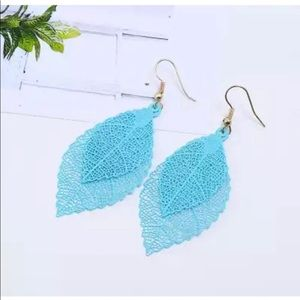 🌸2/$20🌸 TEAL DOUBLE LAYERED LEAF DANGLE EARRINGS